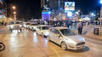 neuquinos marcharon contra la restriccion vehicular
