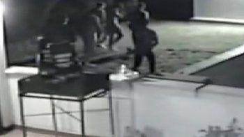 italia: violaron en manada a dos adolescentes inglesas