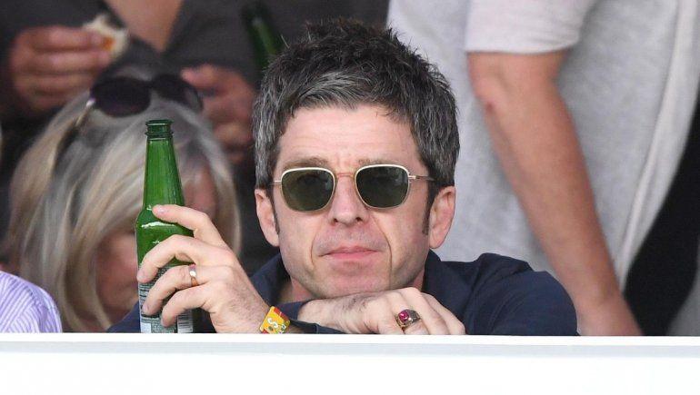 Noel Gallagher se niega a usar barbijo