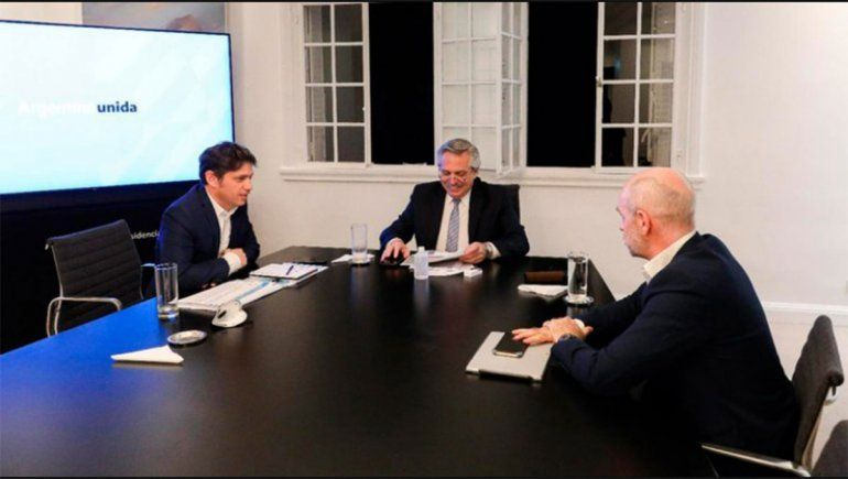 El Presidente se reunió ayer con Kiciloff y Rodríguez Larreta para resolver cómo estirar la cuarentena.
