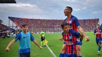 Andrés Herrera junto a Romero, que hoy lo lesionó.