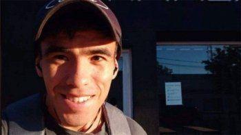 facundo castro: encontraron un colgante del joven en un patrullero