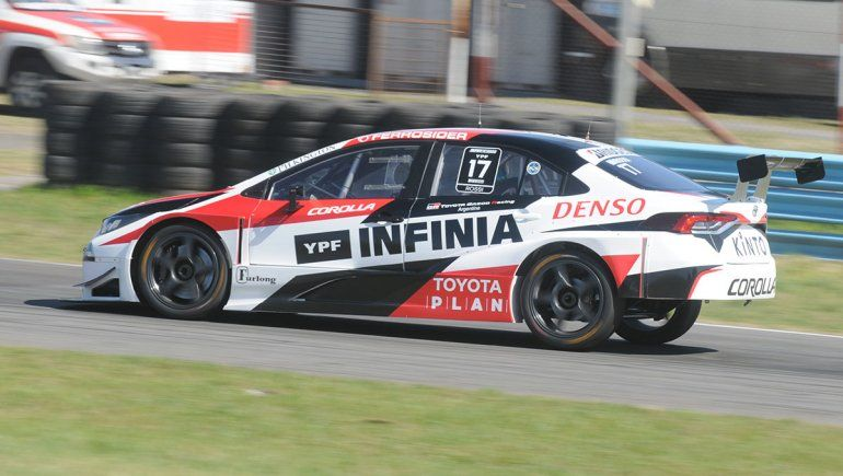 Matías Rossi y el Corolla del Toyota Gazoo Racing se quedaron con la clasificación del Súper TC2000 en el autódromo de Buenos Aires.