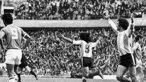 El festejo del gol de la selección fantasma en la altura.