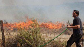 Damián de Santo combatió el fuego que acecha su casa