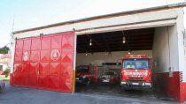 plaza huincul: por un caso de covid cerraron el cuartel de bomberos