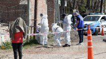 investigan un crimen en el barrio verde limay de plottier