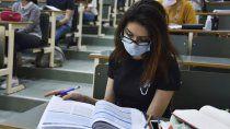 manchester: hay 1700 aislados en la universidad
