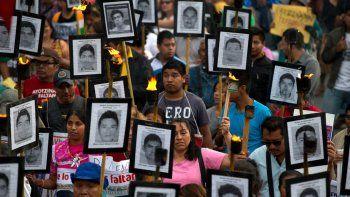 ayotzinapa: caen militares y policias por un crimen atroz