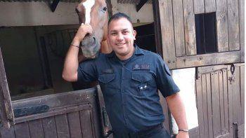 El dolor de la viuda del policía asesinado: No se sentía respaldado por las leyes