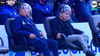 ¿De qué planeta viniste? Maradona volvió con máscara anti Covid y estallaron los memes
