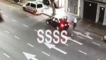Video: la novia de un periodista de TyC se arrojó de un taxi por miedo a un secuestro