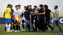 asi suspendieron el partido entre brasil y argentina