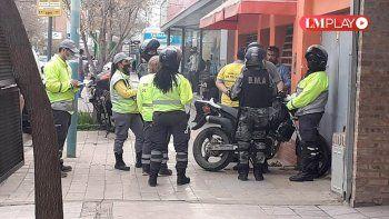 Le secuestraron la moto y agredió a las inspectoras