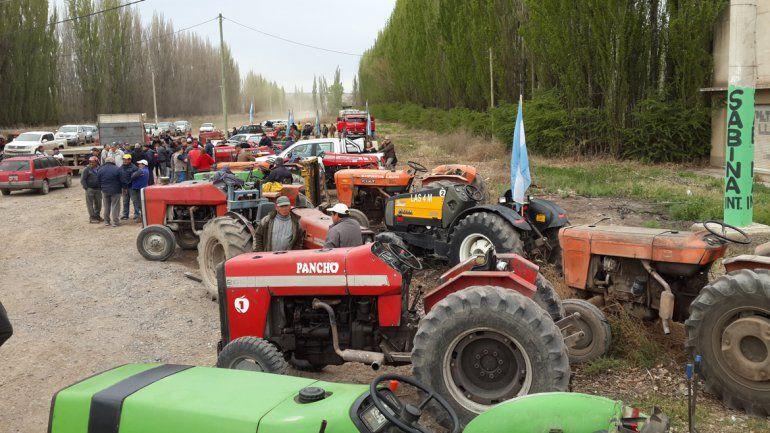 Los tractores se ponen en marcha ante posibles medidas de fuerza al próxima semana