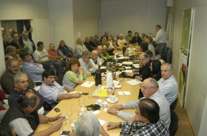 Productores de Río Negro y Neuquén exigen a Macri soluciones a sus reclamos