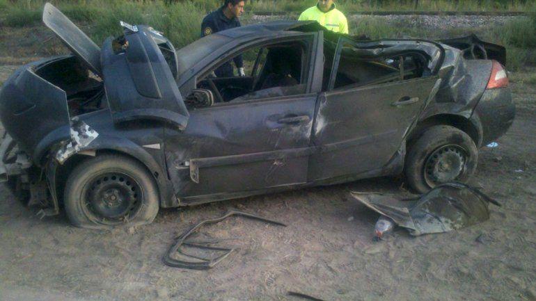 El Renault Megane que conducía la víctima chocó contra una columna de alta tensión