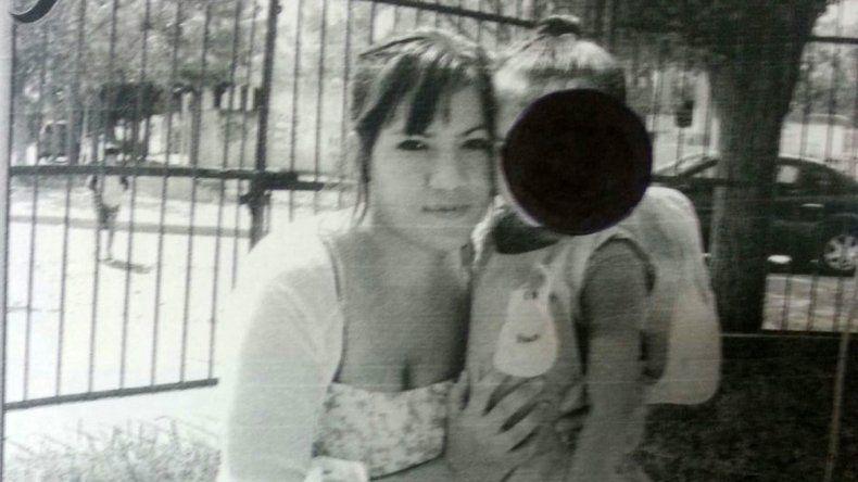 Buscan intensamente a una mujer y a su bebé de 8 meses