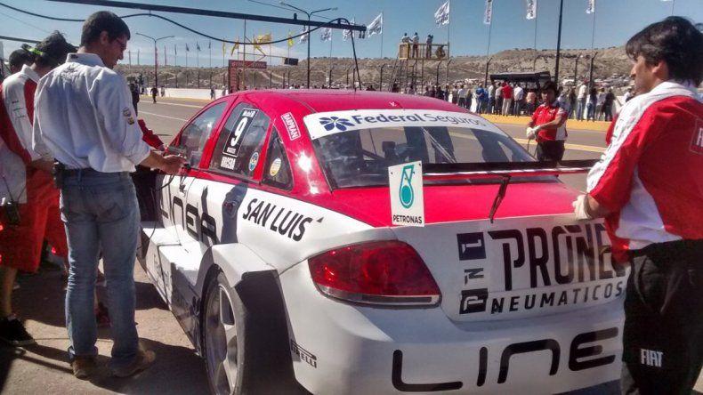 Tras un toque con Rossi, Manu Urcera abandonó la carrera