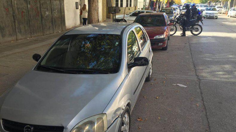 Se realizaron pericias en el auto que conducía el hombre cuando fue detenido.