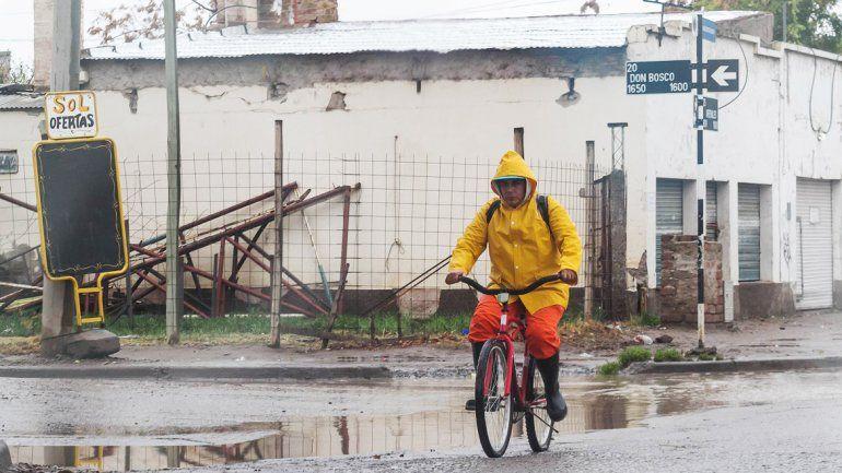 Siguen las lluvias hoy pero mejorarán las condiciones durante la semana
