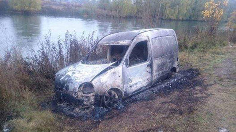 Apareció quemada en Cipolletti la camioneta que tres pibes habían robado en Centenario