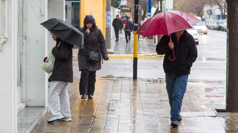Hay alerta por lluvias y chaparrones hasta mañana en la región