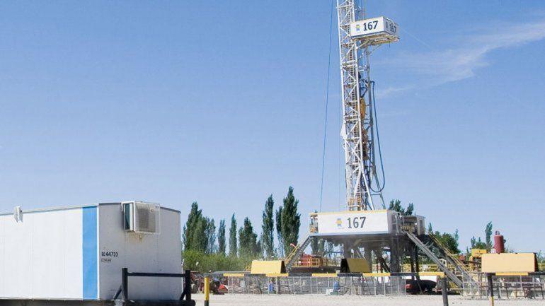 Temor por el despido de otros 83 petroleros en Catriel