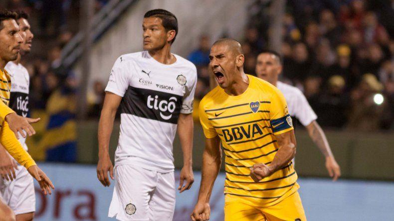 Díaz festeja su gol.