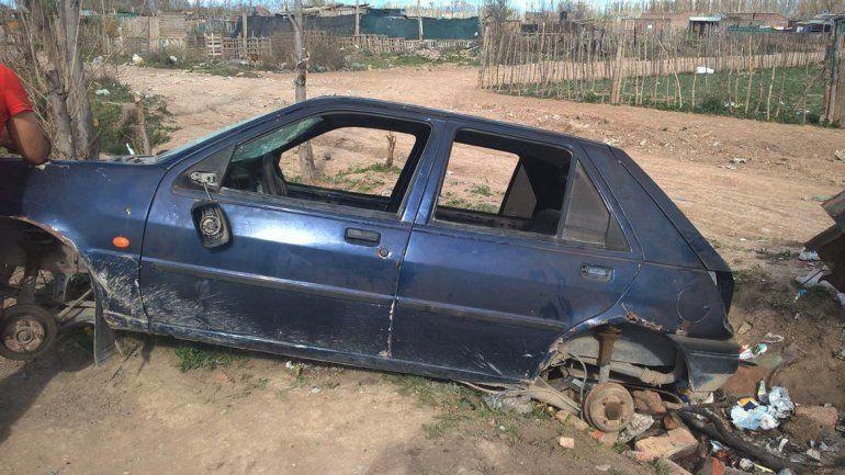 Le robaron el auto en Neuquén y lo encontró desmantelado en Cipolletti