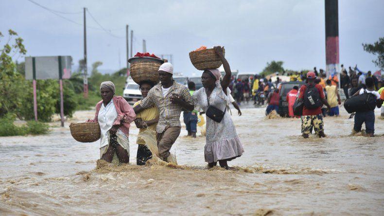 Matthew se debilita tras provocar una emergencia sanitaria en Haití