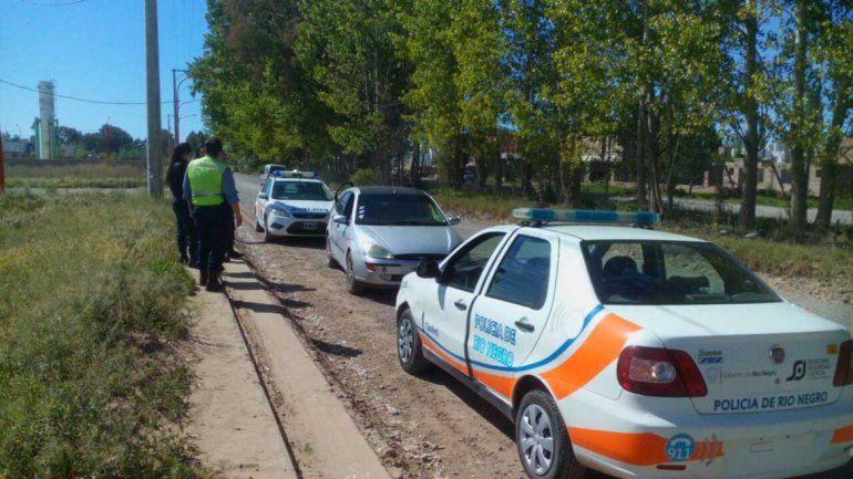 Un joven se fugó con 5 pasajeros y un padre manejaba con 2,67 de alcohol por la Ruta 22