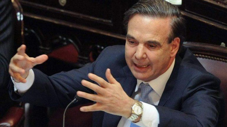 Asaltaron a mano armada al senador rionegrino Miguel Ángel Pichetto