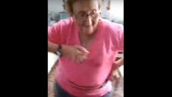 Conocé a la abuela de 74 años que baila al ritmo de la cumbia