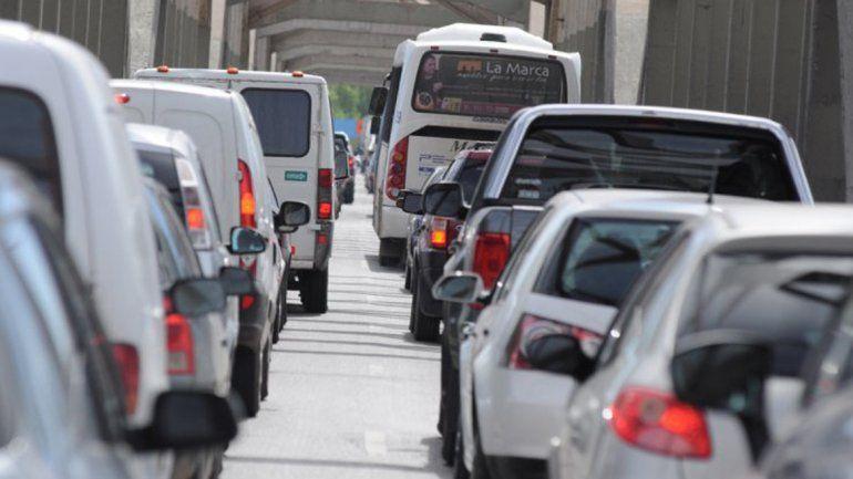 Ahora, los automovilistas ahorran 20 minutos para cruzar a Neuquén por la Ruta 22