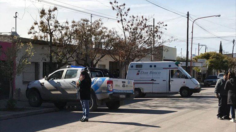 Investigan la muerte de un hombre en el barrio Brentana: lo encontraron en el patio  copy