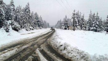 El Bolsón quedó aislado por un temporal de nieve