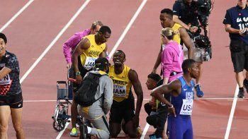 El atleta jamaiquino no pudo completar la competencia por un calambre.