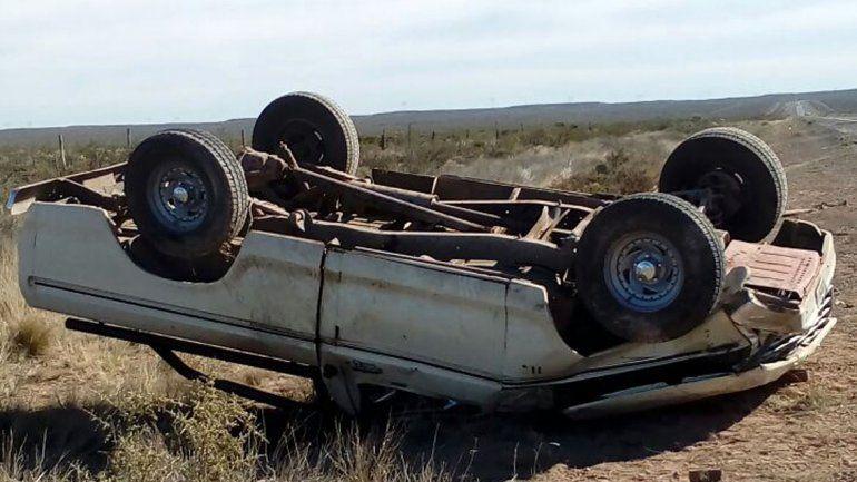 Un hombre de 58 años murió tras volcar en la Ruta 151