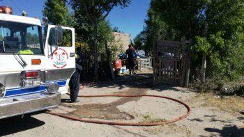 dos nenes murieron al incendiarse su casa mientras dormian en roca