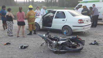 un motociclista grave tras un choque en la ruta 22