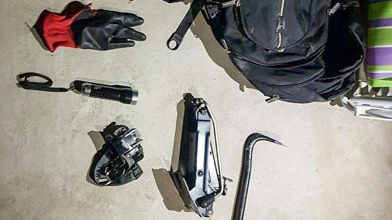 La Policía detuvo a tres de los imputados y secuestró tres autos.