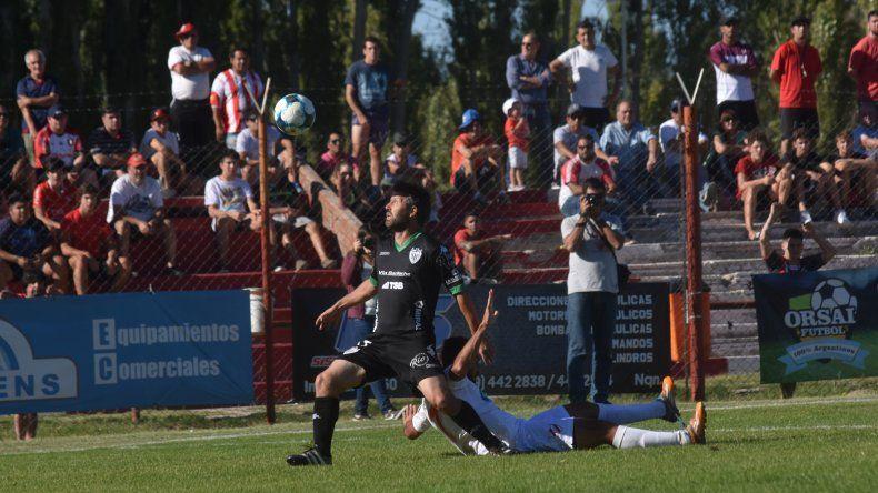 Weiner ingresó por el lesionado Carrera y marcó el tercer gol albinegro.