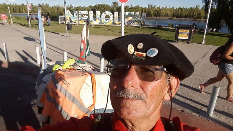 El abuelito viajero llegó a Neuquén y pasó por la Fiesta de la Confluencia