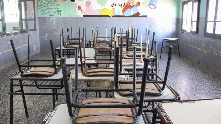 Salvaje ataque en el colegio: una mamá le pegó un cadenazo a una nena