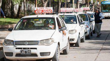 afirman que la actividad de los taxis cayo un 30%