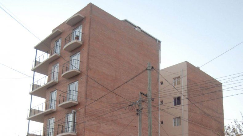 Las cloacas no dan más. Analizan prohibir la construcción de nuevos edificios.