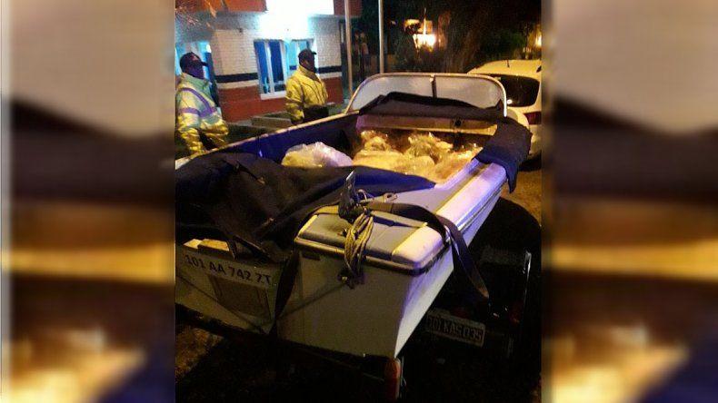 Decomisaron más de una tonelada de carne ilegal: una parte iba adentro de una lancha