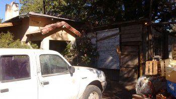 ladrones armados golpearon y asaltaron a una pareja en su casa
