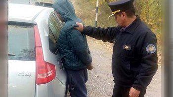 Secuestró a su ex pareja y a un hijo: volcó en la fuga